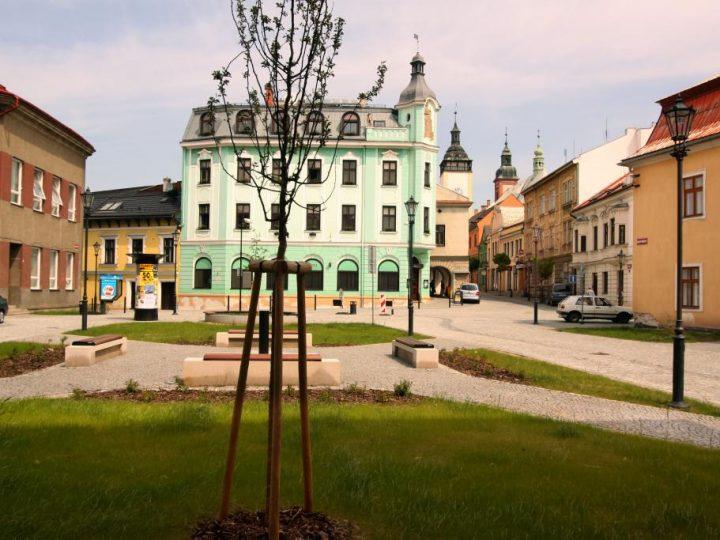 Školní náměstí