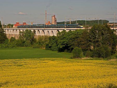 Viadukty / fotogalerie / Pohled na viadukty a Pendolino
