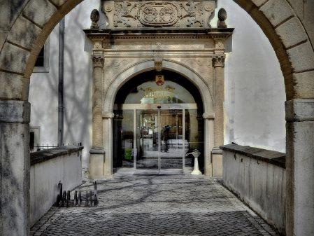 Zámek / fotogalerie / Vchod do zámku