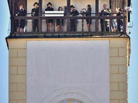 Stará radnice / fotogalerie / Hudební vystoupení z věže Staré radnice