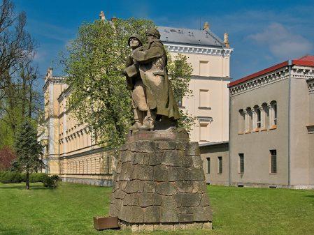 Vojenské ústavy / fotogalerie / Vojenská akademie v Hranicích