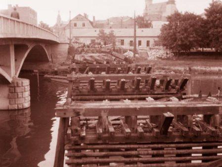 Most přes Bečvu / fotogalerie /