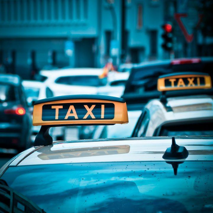 Taxi služby