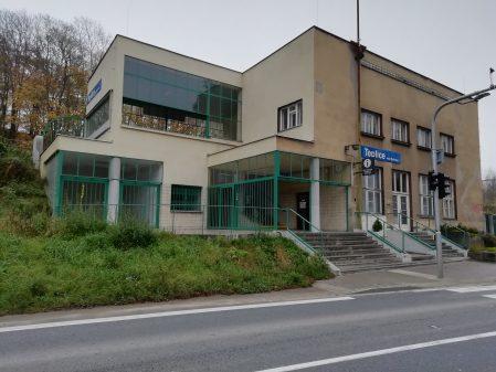 Nádražní budova v Teplicích nad Bečvou